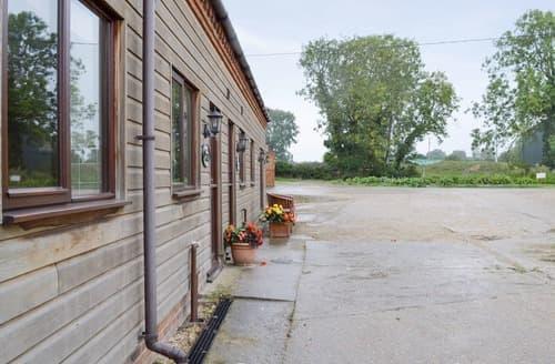 Last Minute Cottages - Gorgeous Fakenham Cottage S121922