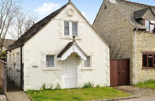 Dog Friendly Cottages - Splendid Cirencester Cottage S16180