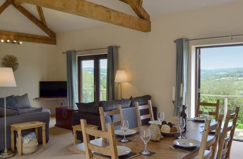 Last Minute Cottages - Beautiful Lyme Regis Cottage S121482