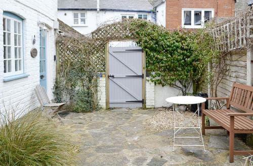 Last Minute Cottages - Attractive Bridport Cottage S19692