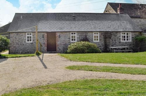 Last Minute Cottages - Lovely Bridport Cottage S19699