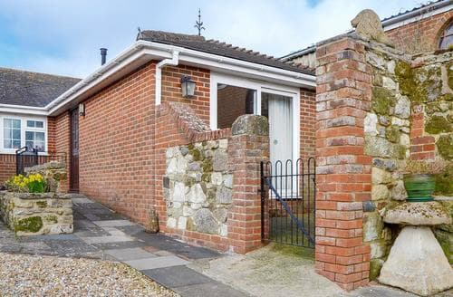 Last Minute Cottages - Inviting Shanklin Cottage S14337