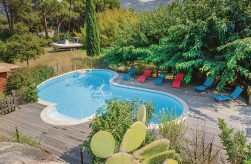 Last Minute Cottages - La Villa Roche