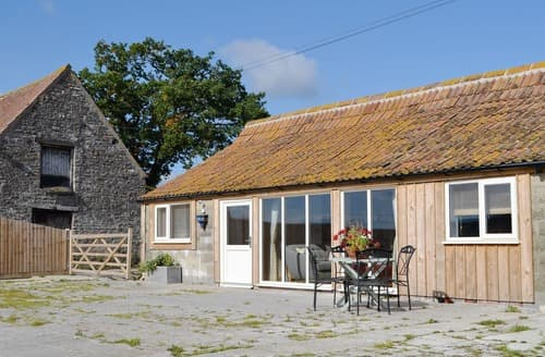 Last Minute Cottages - Beautiful Wickwar Cottage S128057