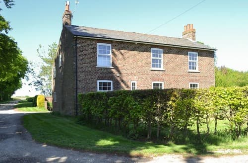 Dog Friendly Cottages - Gorgeous Driffield Cottage S127319