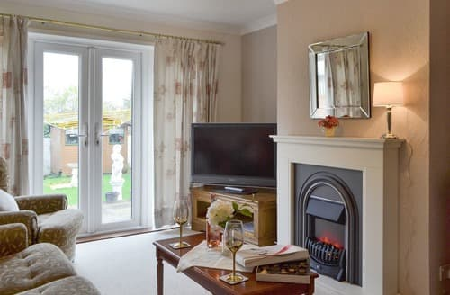 Last Minute Cottages - Adorable Whitstable Cottage S126332