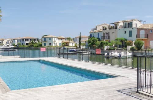 Last Minute Cottages - Marina View