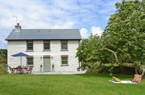 Last Minute Cottages - Captivating Truro And The Roseland Peninsula Cottage S59813