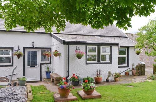 Last Minute Cottages - Darcy Cottage