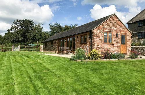 Last Minute Cottages - Pigs' House