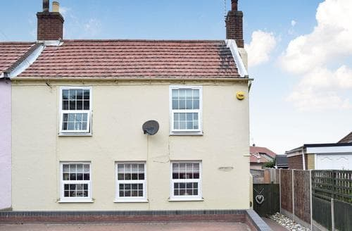Last Minute Cottages - Charming Winterton On Sea Cottage S69896