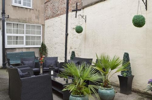 Last Minute Cottages - Luxury York Cottage S15616