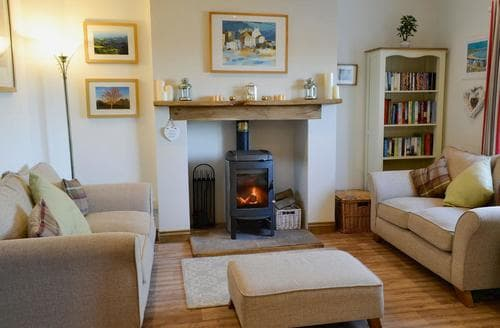 Last Minute Cottages - Reed Cottage