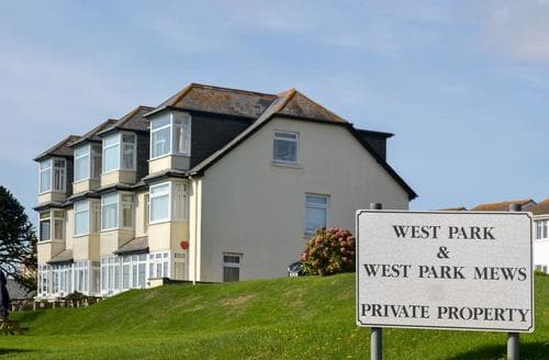 Last Minute Cottages - West Park