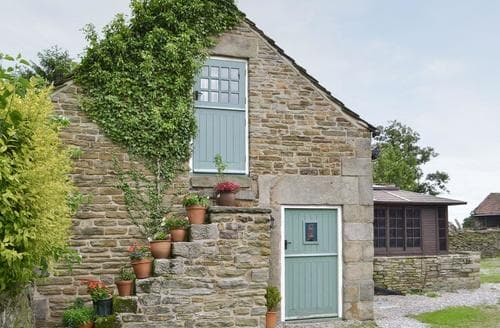 Last Minute Cottages - Delightful Chesterfield Cottage S16538