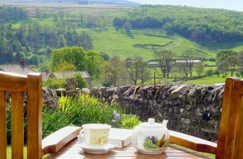 Last Minute Cottages - Dale View