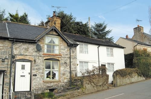 Last Minute Cottages - Cosy Welshpool Cottage S21453
