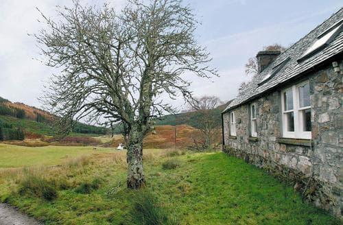 Last Minute Cottages - Captivating Achnasheen Cottage S22820