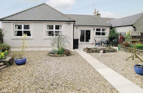 Big Cottages - Inviting Hawick Cottage S24504