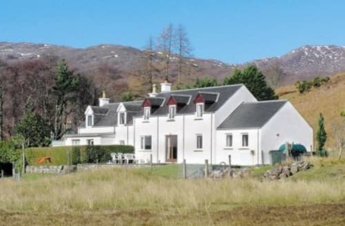 Last Minute Cottages - Cosy Strathcarron Cottage S22863