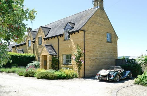 Big Cottages - Willow Cottage