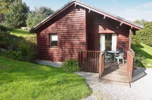 Last Minute Cottages - Cosy Sandyhills Lodge S23718