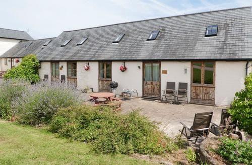 Last Minute Cottages - Trinity Lad