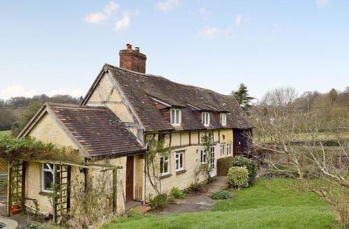 Last Minute Cottages - Barton Cottage
