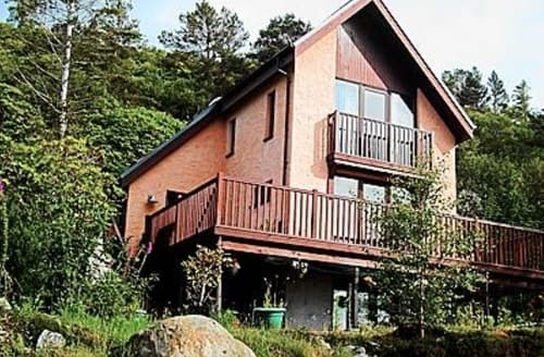 Last Minute Cottages - Waterside Lodge