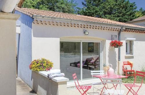 Last Minute Cottages - Maison des Arbres