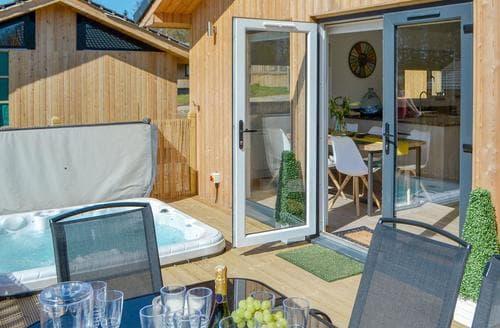 Big Cottages - Captivating Otterburn Lodge S98087