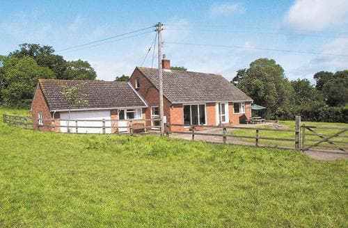Last Minute Cottages - Downhams Farm