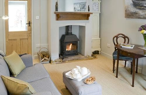 Last Minute Cottages - Delightful Wroxham Cottage S80332