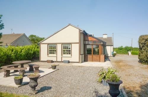 Last Minute Cottages - Superb Rhode Cottage S113860