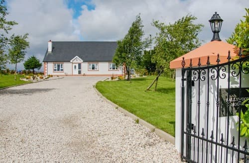 Last Minute Cottages - Inviting Letterkenny Cottage S124126