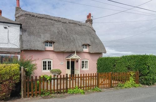 Last Minute Cottages - Raspberry Cottage