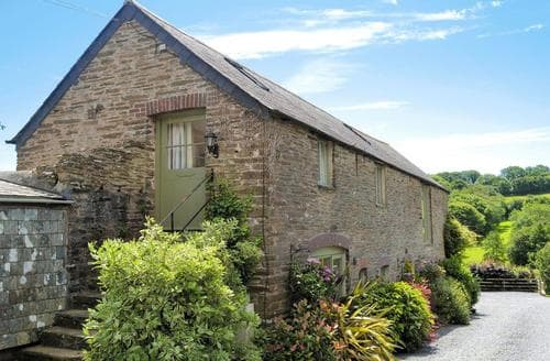 Last Minute Cottages - Meadow Mews