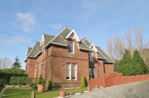 Last Minute Cottages - MONTROSE HOUSE