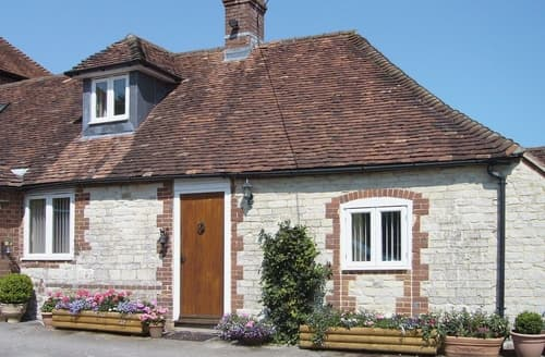 Last Minute Cottages - Nursted Farm Annexe