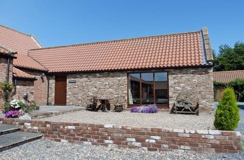 Dog Friendly Cottages - Splendid Driffield Cottage S14886