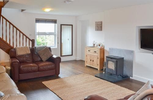 Last Minute Cottages - Beautiful Tudweiliog Cottage S83012