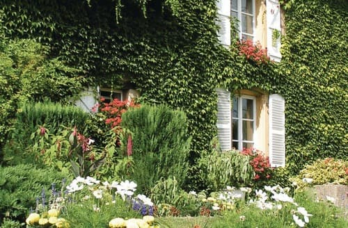 Last Minute Cottages - Le Cottage des Fleurs