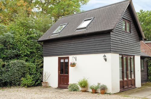 Last Minute Cottages - Lovely Brook Lodge S14078