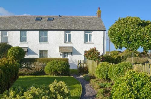 Last Minute Cottages - Cosy Tintagel Cottage S20819
