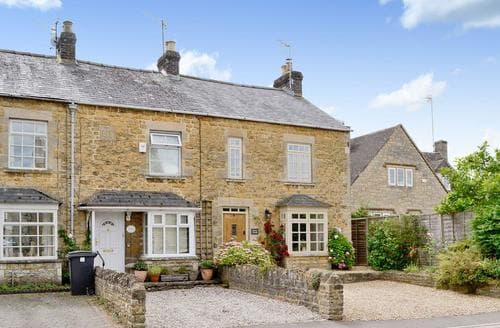 Big Cottages - Stunning Bourton On The Water Cottage S25015