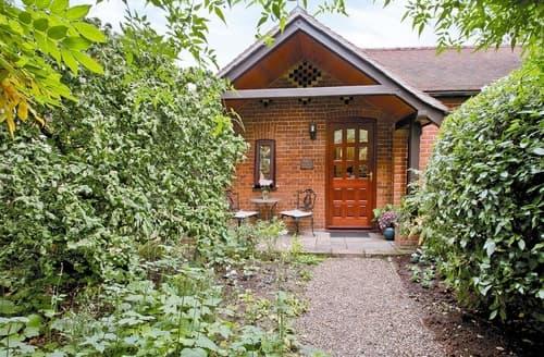 Last Minute Cottages - Hazelnut Cottage
