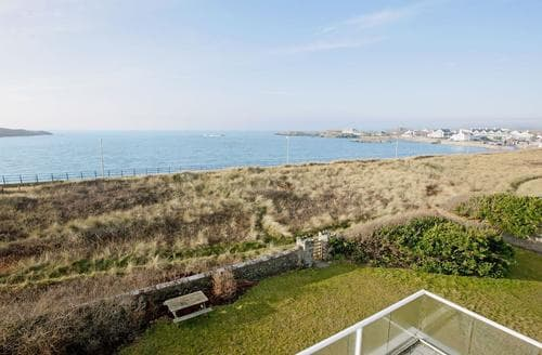 Big Cottages - Excellent Holyhead And Treaddur Bay Cottage S22091