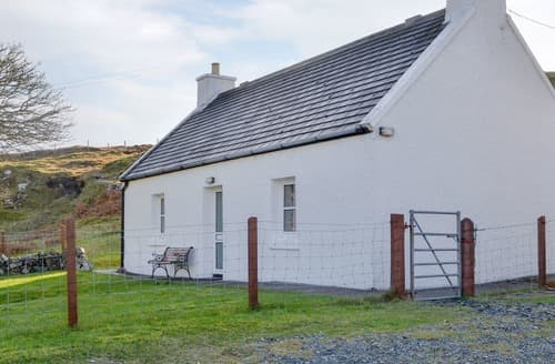 Last Minute Cottages - Charming Portree Cottage S22481