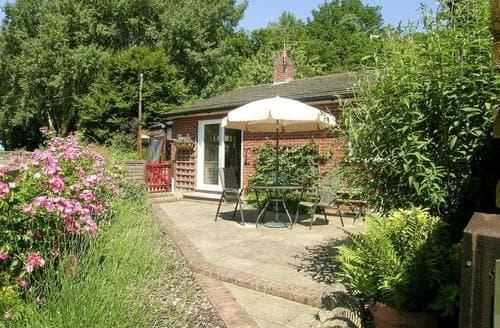 Last Minute Cottages - Gorgeous Thetford Cottage S17796