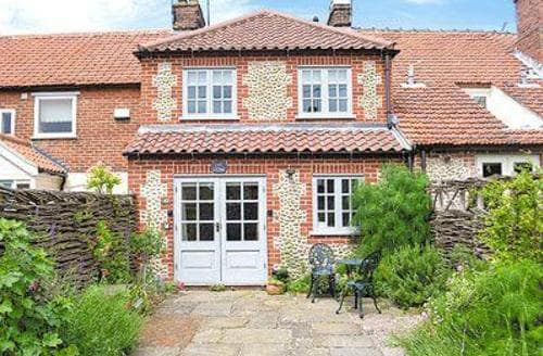 Last Minute Cottages - Loke Cottage